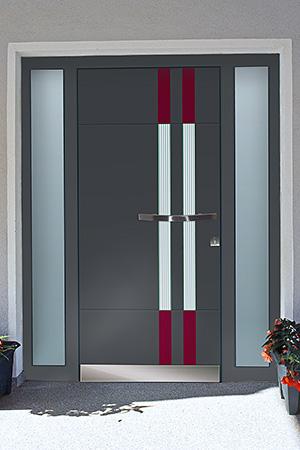 Holz-Haustür mit Aluminiumschale